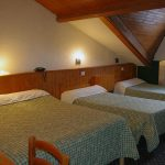 xchambre-4-pers.jpg.pagespeed.ic.WmG0Cs51R7